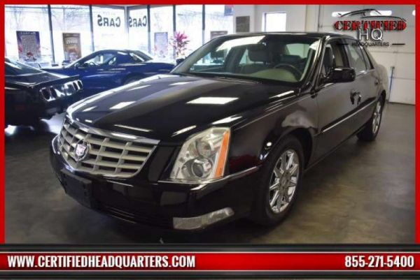 2011 CADILLAC DTS 4dr Sdn Luxury Collection